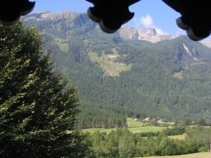 zicht vanaf het balkon